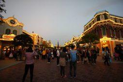 D8 07美國小鎮03.jpg e1539484332777 254x169 - 【香港旅遊】港鐵迪士尼樂園站行程推薦 - 讓你瘋狂玩一天的夢幻樂園